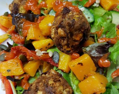 Day Menu Falafel Salad
